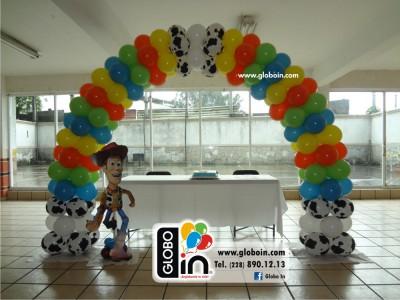 Arco de globos de Toy Story