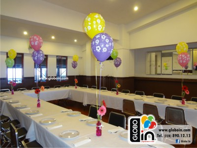 Centros de mesa flores con globos
