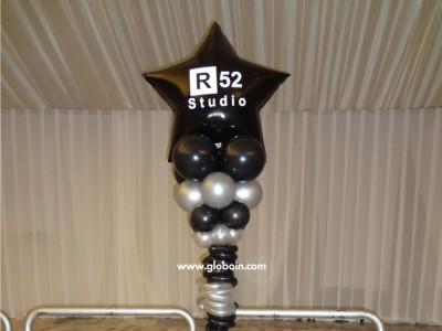 Columna de globos negra